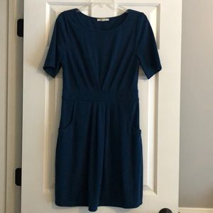 Flattering dress with pockets
